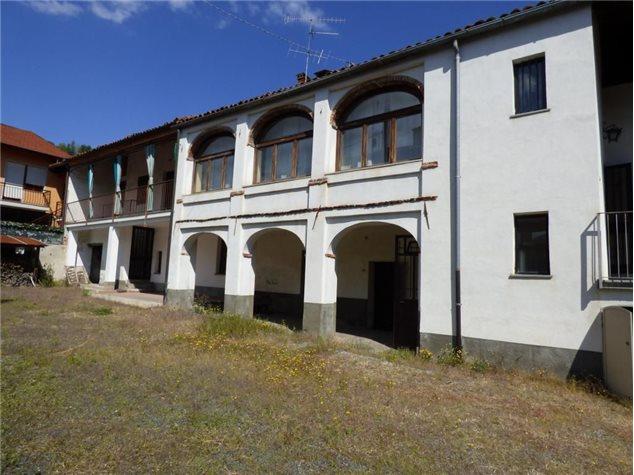 Foto 1 di Casa indipendente Piasco