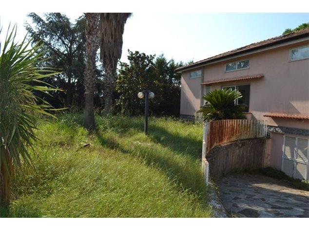 Villa in vendita a battipaglia via serroni 330 for Case affitto arredate battipaglia