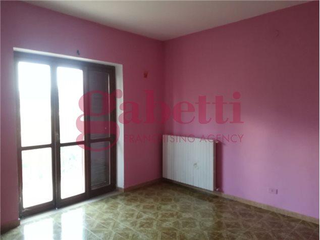 Venafro (IS), Casa Indipendente, Via Caio Menio Basso, 11