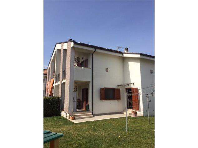 Ceccano: Villa a schiera in Vendita, Via Dell' Olmo , 1