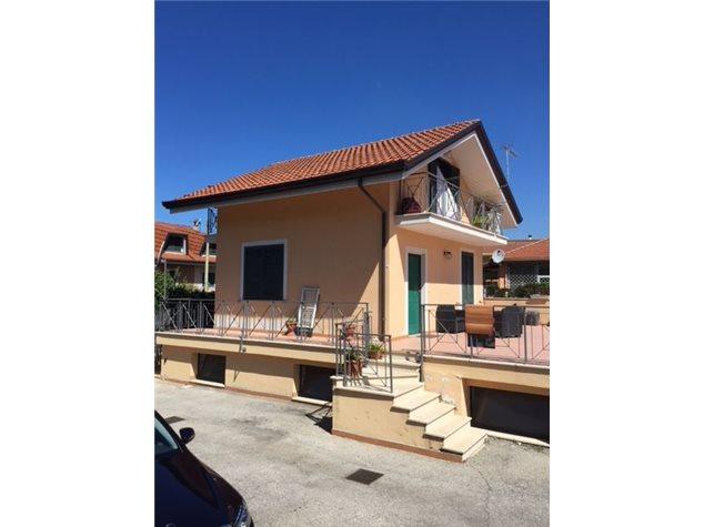 Frosinone: Appartamento in Vendita, Via Cavoni, 71