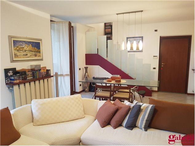 Barlassina: Appartamento in , Corso Milano, 59