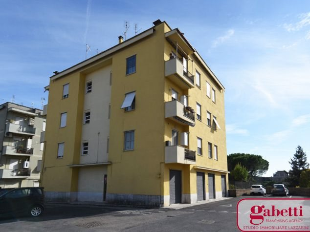 Civita Castellana: Appartamento in Vendita, Via U. Bassi, 2