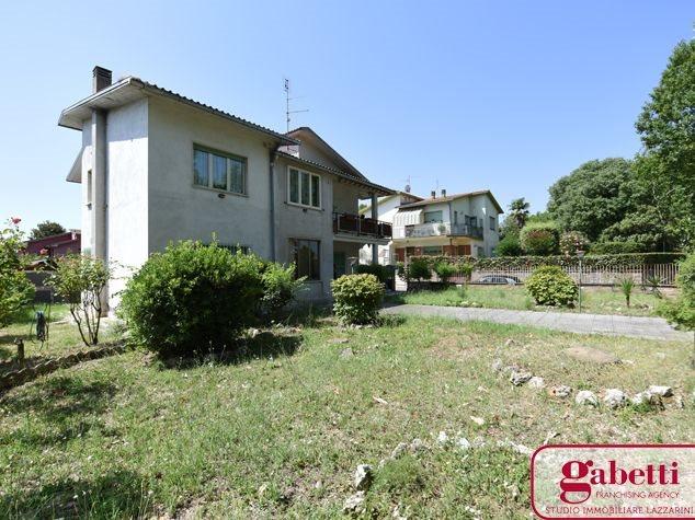 Civita Castellana: Appartamento in , Via Nepesina, 9