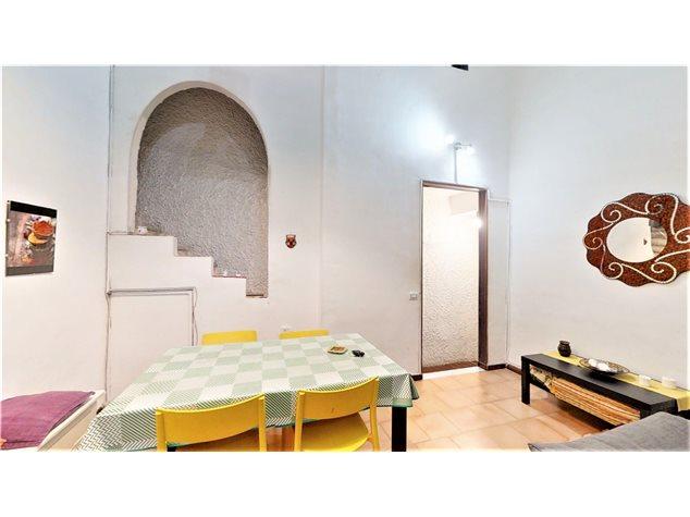 Napoli: Appartamento in , Via Santa Maria La Nova , 32