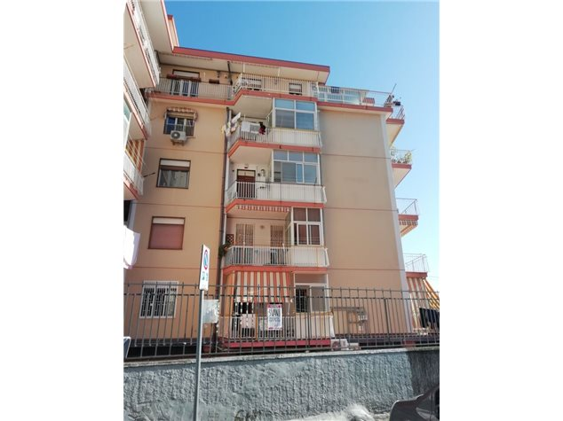 Catania: Appartamento in Vendita, Via Stoppani, 7
