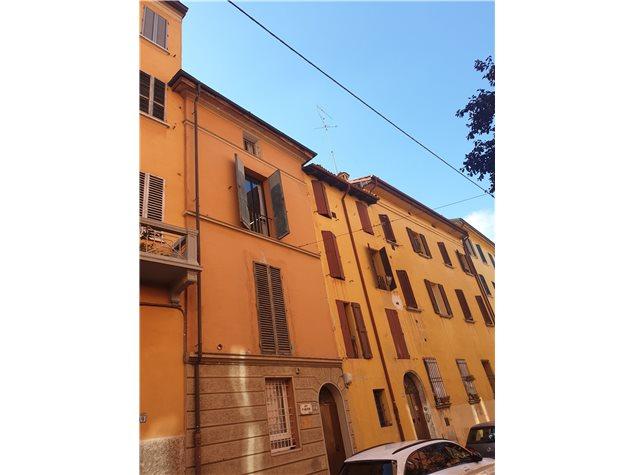Bologna: Appartamento in Vendita, Via Savenella, 19