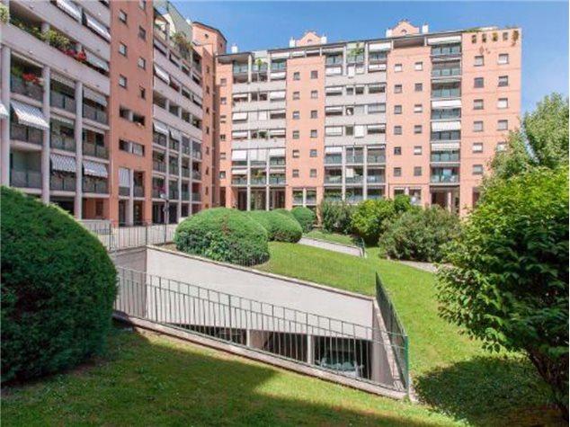 Milano: Appartamento in Vendita, Via Rizzoli, 49