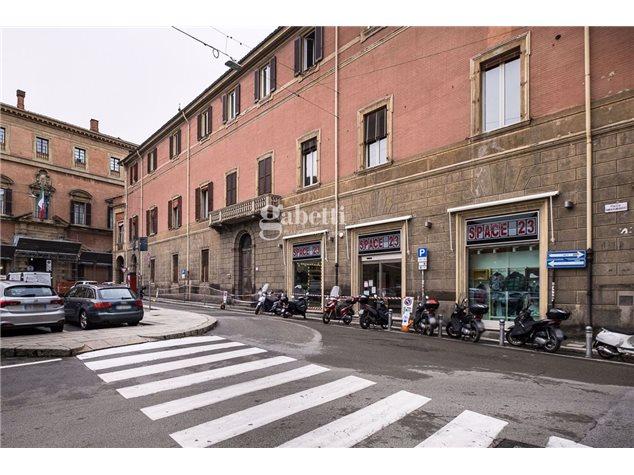 Bologna: Appartamento in Vendita, Piazza Roosevelt, 0