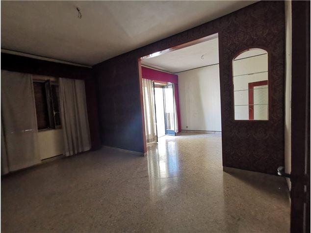 Palermo: Appartamento in , Via Peloritani