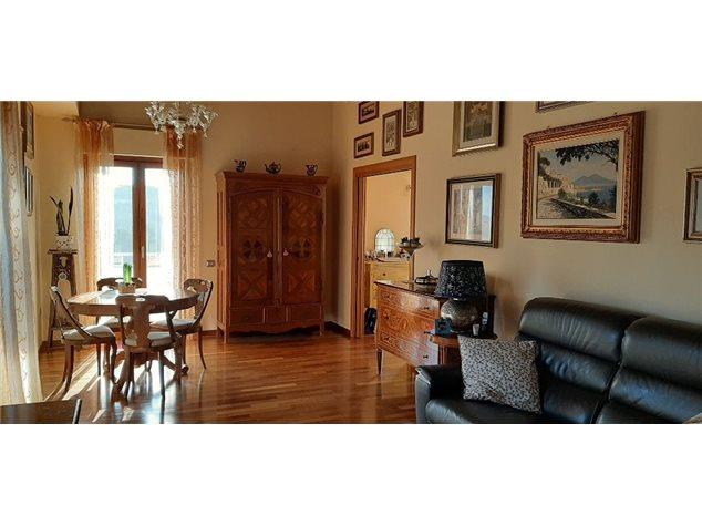 Ancona: Villa a schiera in , Via Candia