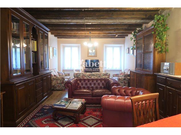 Riva del Garda: Casa Indipendente in Vendita,