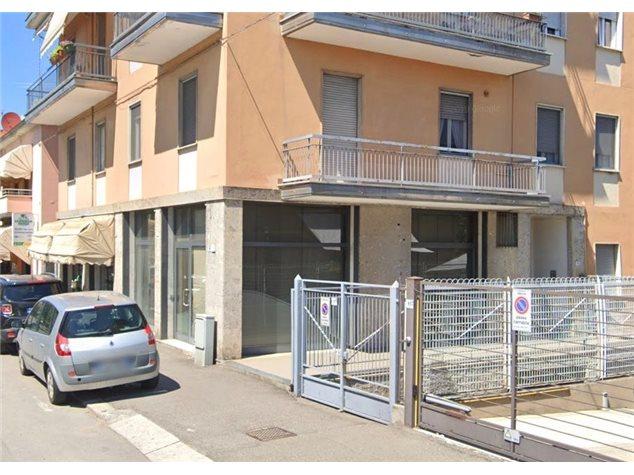 Pavia: Negozio in , Via San Giovannino , 19