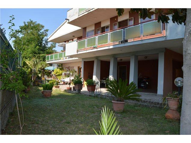 Pescara: Casa Indipendente in Vendita, Via Colle Innamorati, 57
