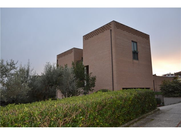 Città Sant'Angelo: Villa in Vendita, Viale Petruzzi, 11