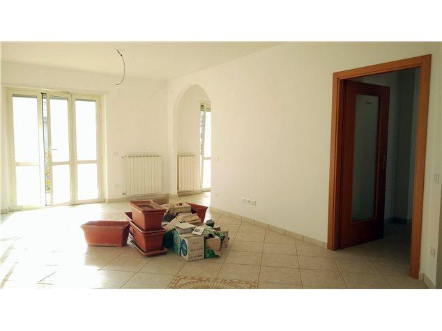 Fossacesia: Appartamento in Vendita, Via Bachelet