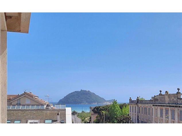 Albenga: Appartamento in Vendita, Via Tiziano, 21