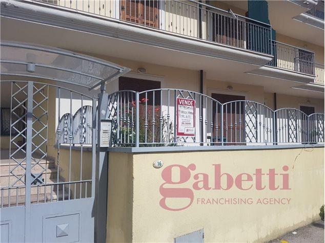 Vitulazio: Appartamento in Vendita, Via Ippolito Nievo , 8
