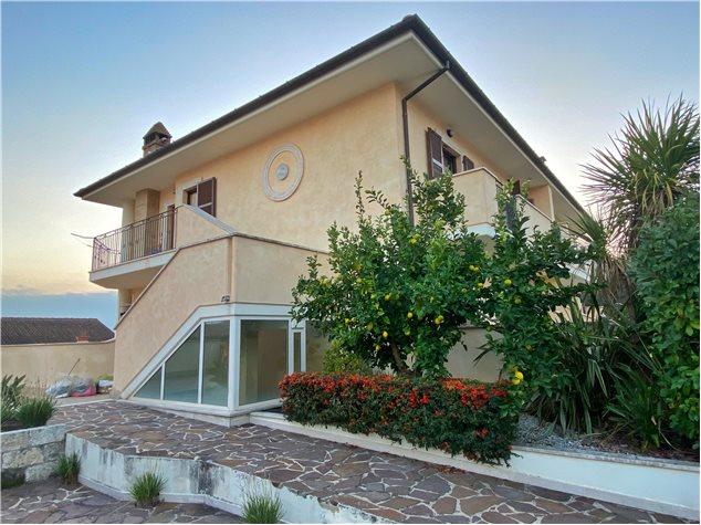 Castel di Lama: Appartamento in Vendita, Via Maestri Del Lavoro, 11
