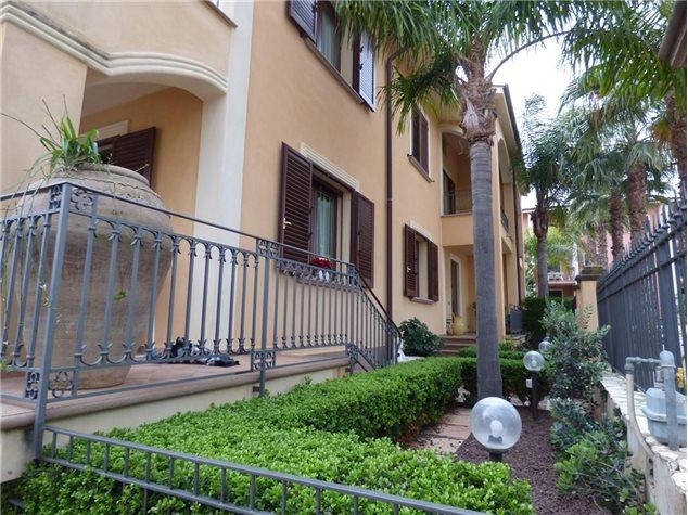 Santa Flavia: Villa in Vendita, Via Reverendo Accardi, 1