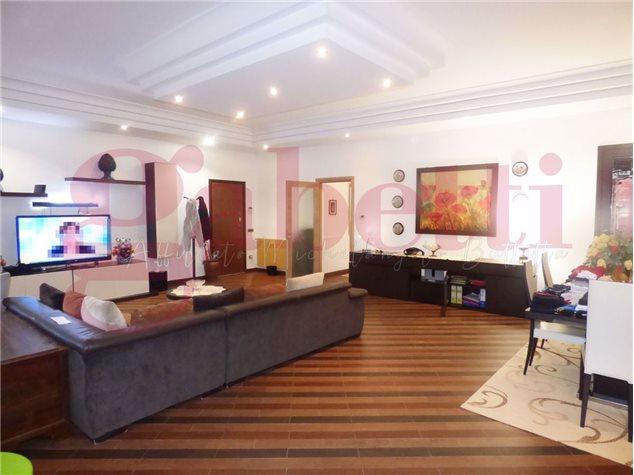 Palermo: Appartamento in Vendita, Largo Giacomo Bongiovanni, 8