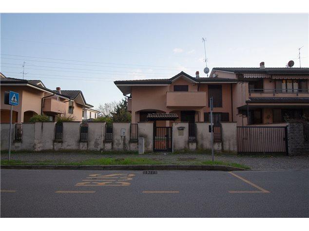 Lodi: Villa in Vendita, Aldo Moro, 37
