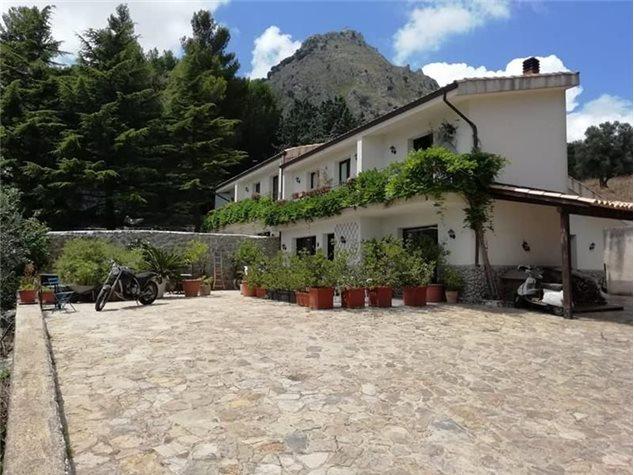 Monreale: Villa bifamiliare in Vendita, Via Sp, 82