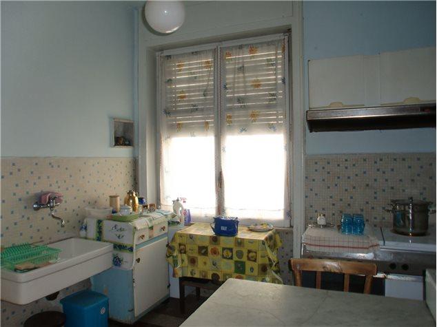 Potenza: Appartamento in , Via Vaccaro, 35