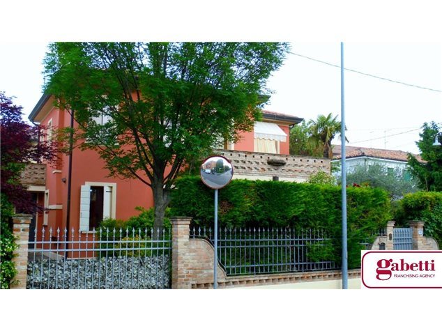 Padova: Villa singola in , Via Crescini